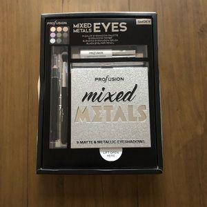 NIB Profusion Mixed Metals Smoky Eye Palette Kit